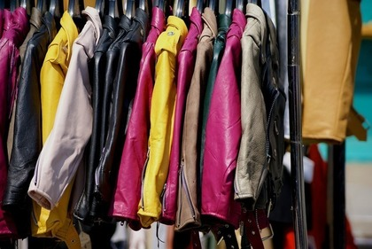 フリーマーケットの商品の衣類