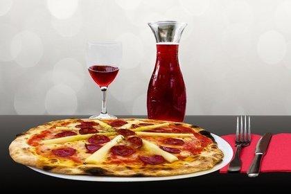 ホールピザ