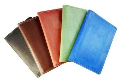 色々な色のカードケース