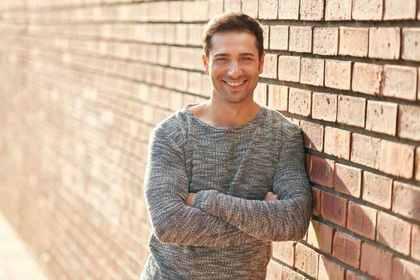 笑顔が素敵な男性