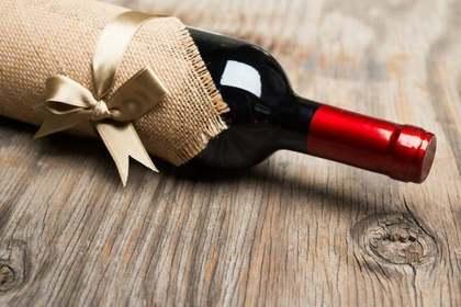 包まれたワイン