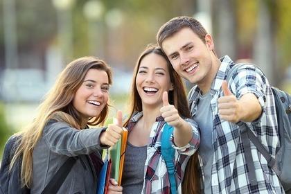 3人の学生