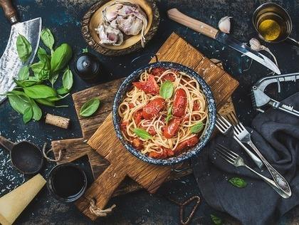 トマトの入ったパスタ