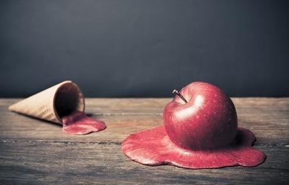 溶けたアイスとりんご