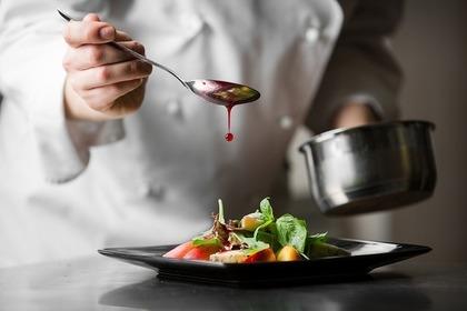 賞味期限切れ間近の食品の安全性②醤油は加熱料理に用いる