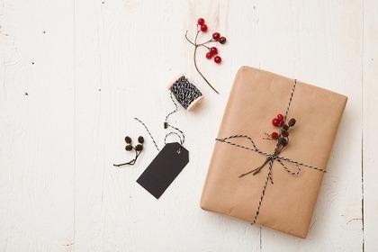 可愛くラッピングされたプレゼントの箱