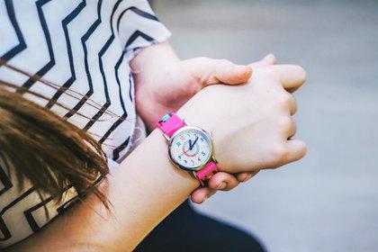 ピンクの腕時計