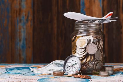 飛行機とコイン