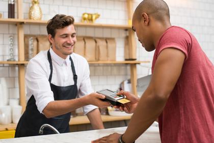 正社員に時給制を採用している業種・職種①販売業やサービス業