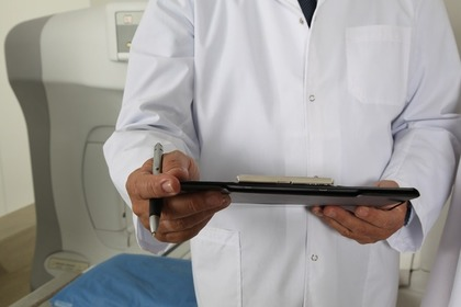 医者とMRI
