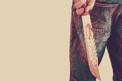 血まみれのナイフ