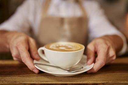 カフェを出す店員