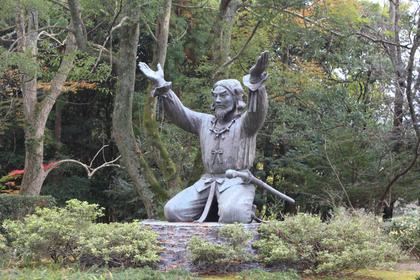 土下座の像