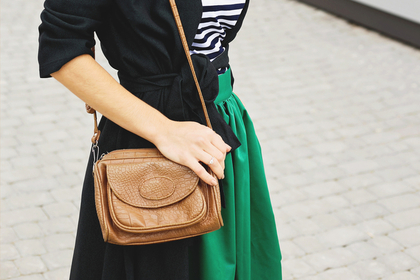 緑のスカート・女性